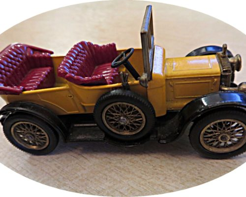 Daimler Y13 models of yesteryear Lesney matchbox cars